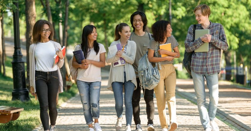 8 Tips For Freshman Year In College: Make The Best Out Of It!